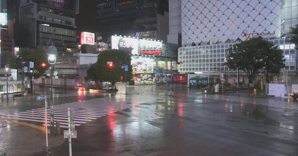 2019年10月大型台風時の渋谷スクランブル交差点(土曜日22時)